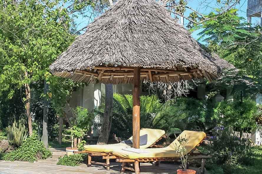 Sonnenliegen - Villa-Kuishi - Diani Beach - Kenia - Ihr exklusives Ferienhaus unter der Sonne Ostafrikas