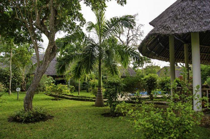 Die Villa liegt in einer geschlossenen Wohnanlage Msitu Kwetu und ist umgeben von tropischer Natur - Villa-Kuishi - Diani Beach - Kenia - Ihr exklusives Ferienhaus unter der Sonne Ostafrikas
